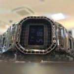 【時計詳細チェック】精密さとレトロ感がイカす!レーザー彫刻フルメタルG-SHOCK「GMW-B5000CS-1JR」